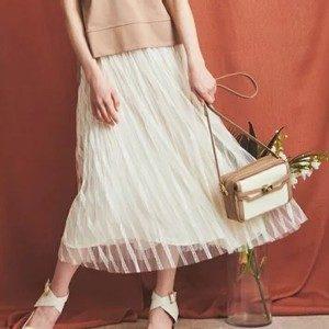 恋する母たち2話のまりのスカート